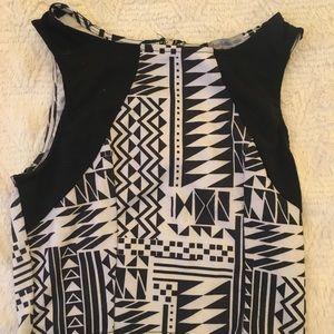 Tribal print sleeveless crop top